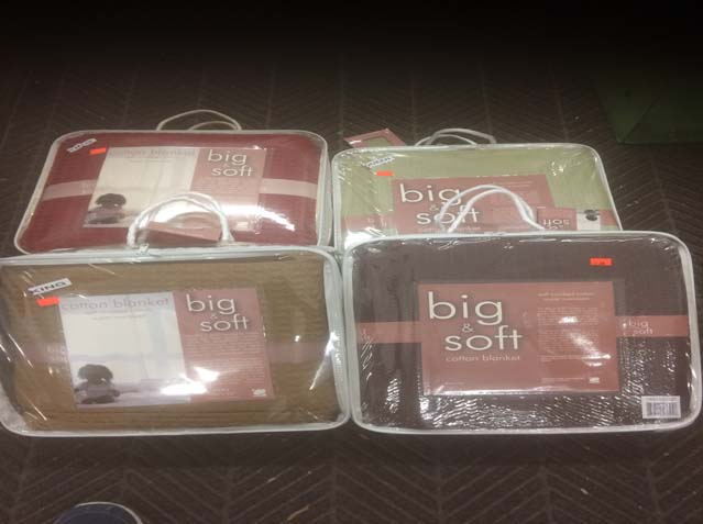 100% Cotton Thermal Blankets Reg $79.98 - $*9.98 NOW Queen $25.98 King $35.98 WOW!!