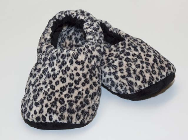 "Warming Slippers <strike>Reg $49.98</strike><font color=""red"" size=""5""> Now $32.98</font>"
